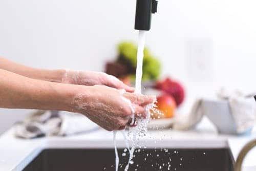 économiser de l'argent dans la cuisine l'eau